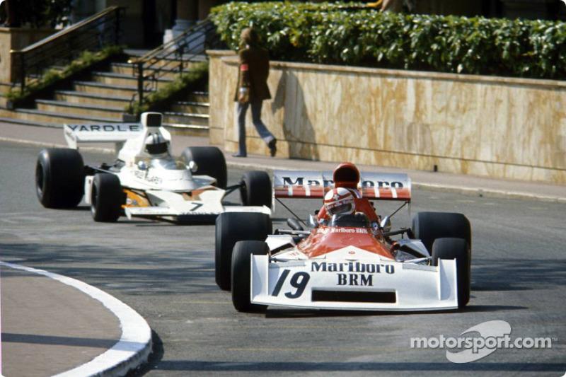 Clay Regazzoni lidera a Denny Hulme