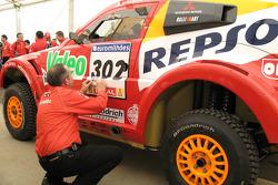 The Mitsubishi Pajero / Montero Evolution MPR13 at scrutineering