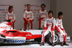 Jarno Trulli, Ralf Schumacher, Franck Montagny, Kohei Hirate and Kamui Kobayashi