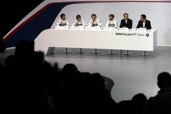 Nick Heidfeld, Robert Kubica, Sebastian Vettel, Timo Glock, Dr. Mario Theissen, BMW Motorsport Director, and Willy Rampf, Chassis Technical Director
