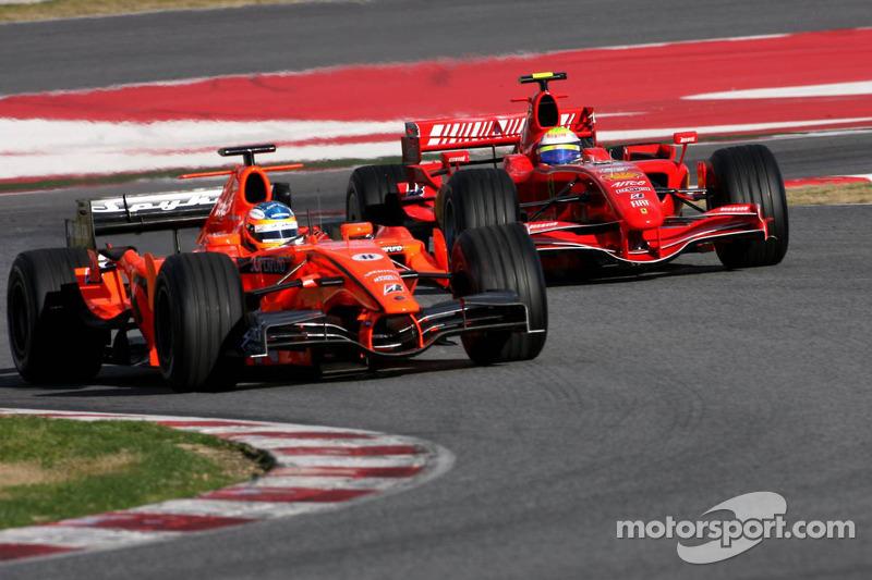 Adrian Sutil, Spyker F8-VII; Felipe Massa, Ferrari F2007