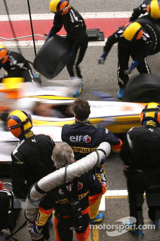 Boxenstopp-Training: Heikki Kovalainen, Renault R27