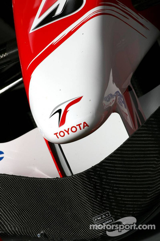 Toyota TF107: Frontpartie