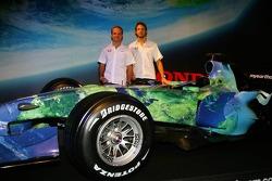 Honda F1 Racing RA107, Rubens Barrichello and Jenson Button
