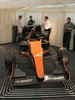 Bertrand Decoster, Esteban Guerrieri, Barry Walsh unveil the 2007 Mygale F3 Chassis