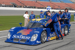 #10 SunTrust Racing Pontiac Riley pushed to pre-grid