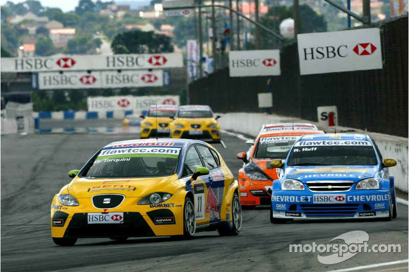 Gabriele Tarquini, SEAT Sport, SEAT Leon et Robert Huff, Team Chevrolet, Chevrolet Lacetti