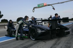 #17 Pescarolo Sport Pescarolo - Judd pushed back in the garage