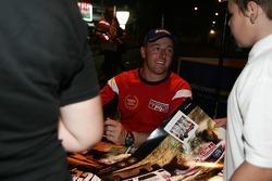 Simon Evans meeting the fans