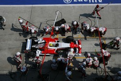 Ralf Schumacher, Toyota Racing, TF107 pitstop