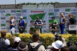 Ben Bostrom, Ben Spies et Roger Lee Haden répondre à quelques questions samedi après-midi à Infineon Raceway