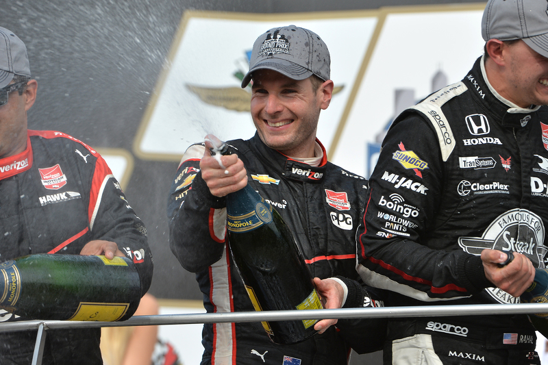 Podium: third place Juan Pablo Montoya and winner Will Power, Team Penske and second place Graham Ra