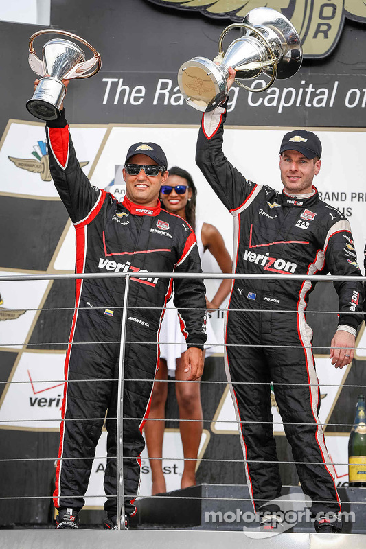 Podium: Third place Juan Pablo Montoya, Team Penske Chevrolet and race winner Will Power, Team Pensk