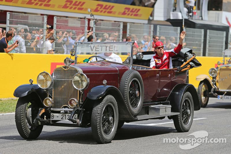 Sebastian Vettel, Ferrari, bei der Fahrerparade