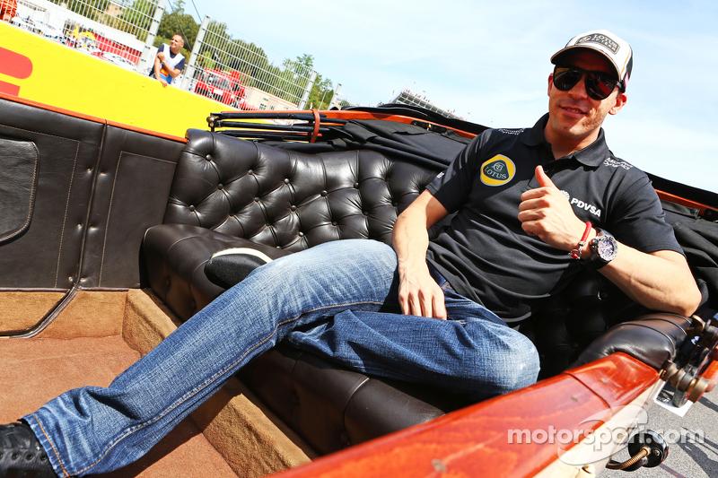 帕斯托·马尔多纳多, 路特斯F1车队,在车手巡游上