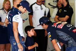 费利佩·马萨, 威廉姆斯车队,儿子费利佩尼奥·马萨,和丹尼尔·里卡多, 红牛车队在车手巡游上