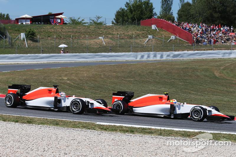 روبرتو مرعي، فريق مانور للفورمولا واحد، أمام زميله بالفريق ويل ستيفنز، فريق مانور للفورمولا واحد