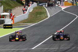 Даниэль Риккардо, Red Bull Racing RB11 и Карлос Сайнс мл., Scuderia Toro Rosso STR10 - борьба за поз