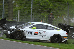 #84 Bentley Team HTP Bentley Continental GT3 : Mike Parisy, Harold Primat, Vincent Abril dans un gros accident