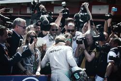 El ganador de la carrera, Nico Rosberg, Mercedes AMG F1 Team