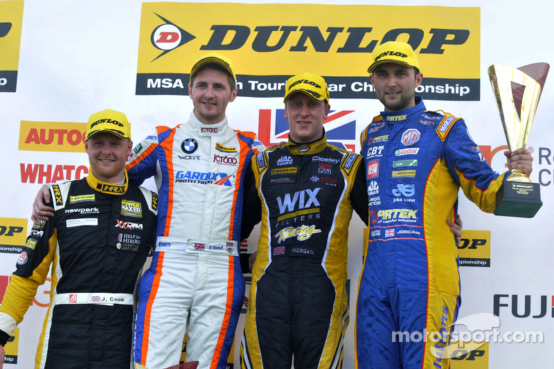Podium: race winner Adam Morgan, second place Andrew Jordan, third place Sam Tordoff, JST Winner Jos