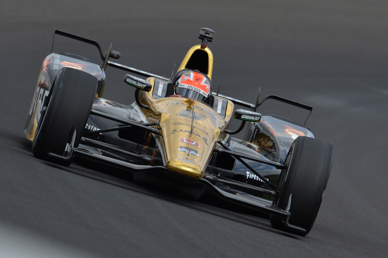 18 mai, l'effroyable accident de James Hinchcliffe
