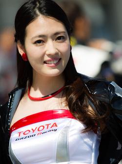 Una fantastica ragazza Gazoo Racing