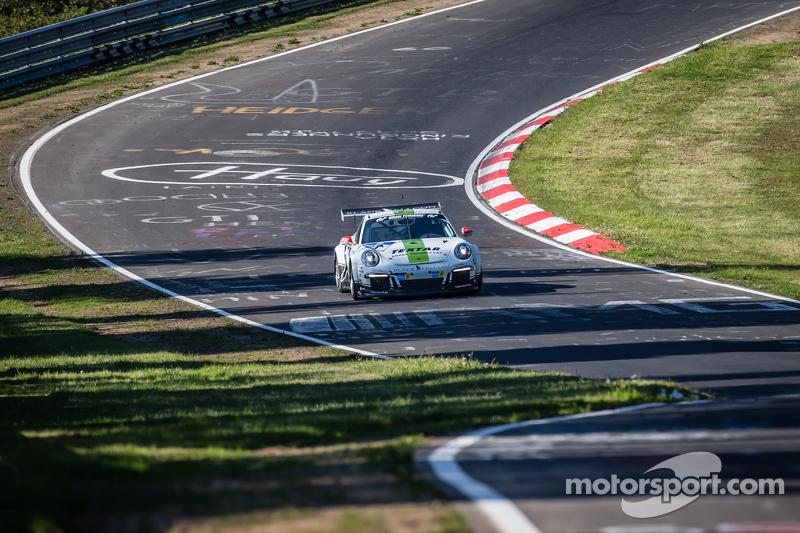 #61 Блек Фалкон Porsche 911 GT3 Cup: Manuel Metzger, Philipp Eng, Hannes Plesse