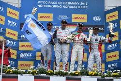 Carrera 2 Podio: José María López e Yvan Muller, Citroen Mundial equipo de Turismos y Tiago Monteiro