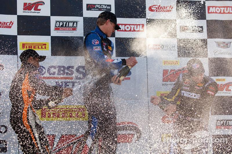 TC podium: pemenang balapan Corey Fergus, posisi kedua Ernie Francis Jr., posisi ketiga Adam Pol, da