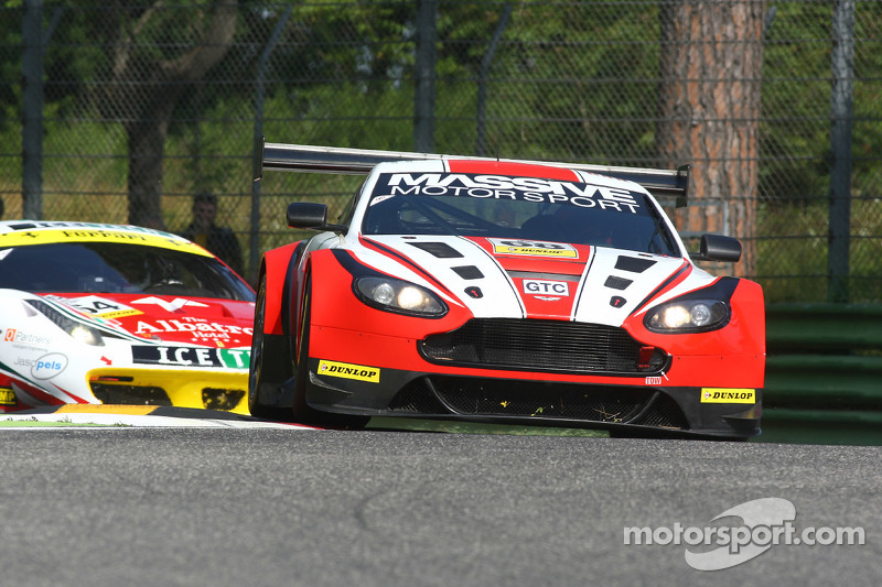 #68 Massive Motorsport, Aston Martin Vantage GT3: Casper Elgaard, Kristian Poulsen, Simon Moller