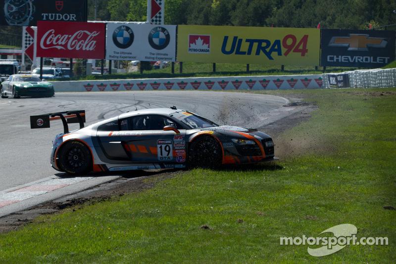 #19 Stephen Cameron Racing, Audi R8 LMS Ultra: Drew Regitz mit Dreher