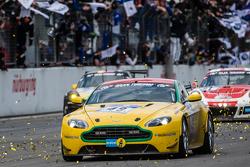 Zielflagge: #49 Aston Martin Test Centre, Aston Martin V8: Ulrich Bez, Andreas Bänzinger, Mal Rose, Peter Leemhius