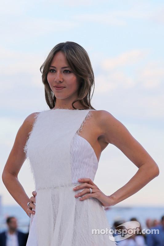 Jessica Button, Frau von Jenson Button, McLaren, bei der Modenschau Amber Lounge