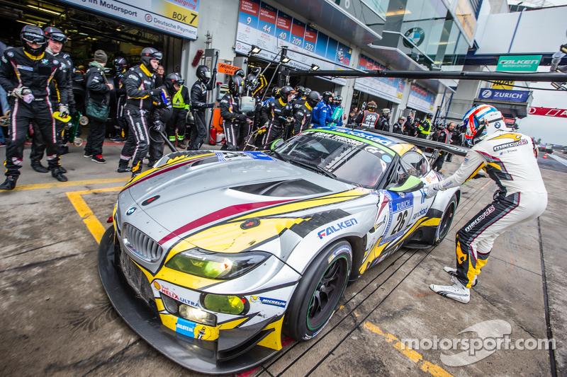 Boxenstopp für #26 Marc VDS Racing, BMW Z4 GT3: Augusto Farfus, Jörg Müller, Nicky Catsburg, Dirk Adorf