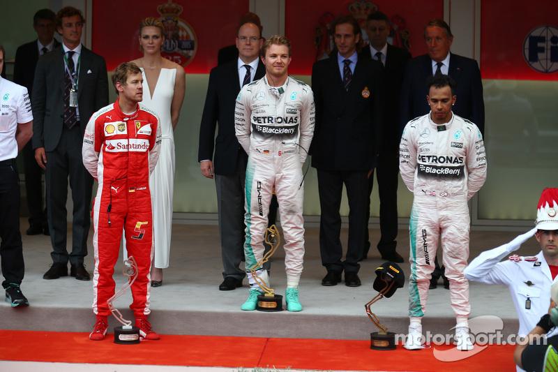 Podio: segundo lugar, Sebastian Vettel, Ferrari Ferrari SF15-T y ganador Nico Rosberg y Lewis Hamilton tercer lugar, Mercedes AMG F1 W06