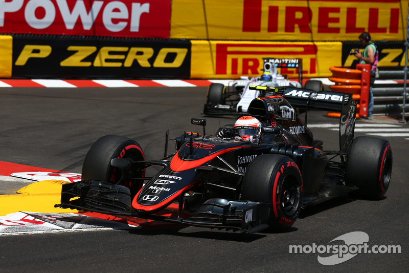 jenson button, mclaren mp4-30 bei gp monaco - formel 1 fotos