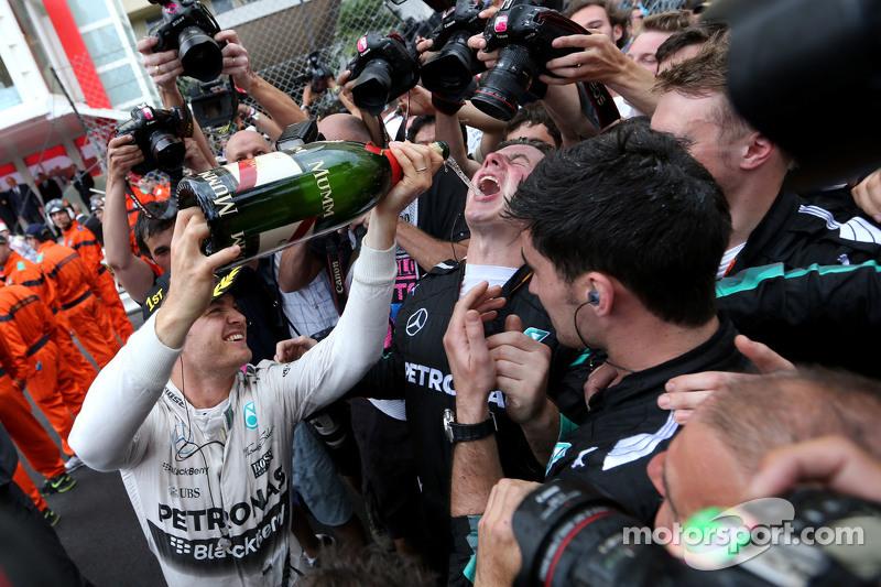 Il vincitore Nico Rosberg, Mercedes AMG F1 Team