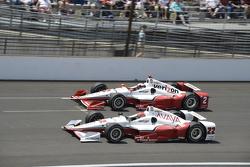 Juan Pablo Montoya, Team Penske Chevrolet and Simon Pagenaud, Team Penske Chevrolet
