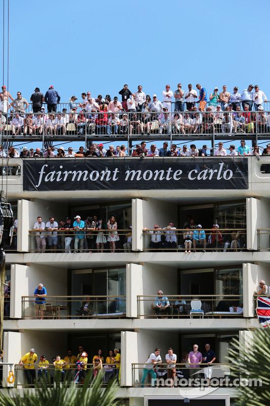 Fans im Fairmont-Hotel in Monte Carlo