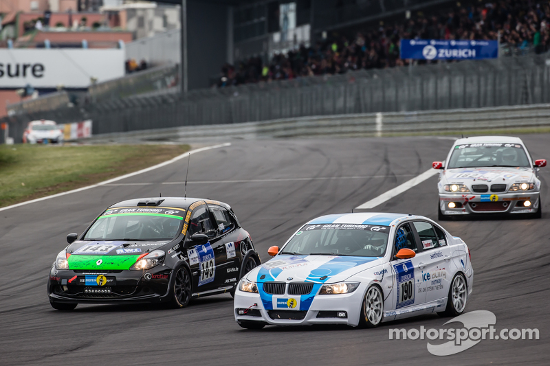 #190 Aesthetic Racing, BMW 325i E90: Heinz-Jürgen Kroner, Petra Baecker und #143 MSC Sinzig e.V. im