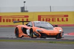 #58 Von Ryan Racing, McLaren 650S: Kevin Estre, Rob Bell, Shane van Gisbergen
