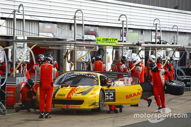 #52 AF Corse Ferrari 458 Italia: Adrien de Leener, Cedric Sbirrazzuoli