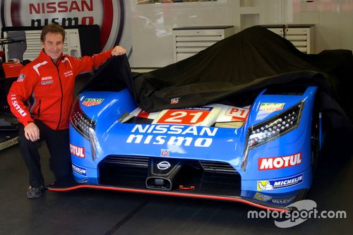 Nissan retro görünüm tanıtımı