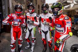 Andrea Dovizio, Ducati Team y Yonny Hernandez and Dani Petrucci, Pramac Racing Ducatis y Andrea Iann