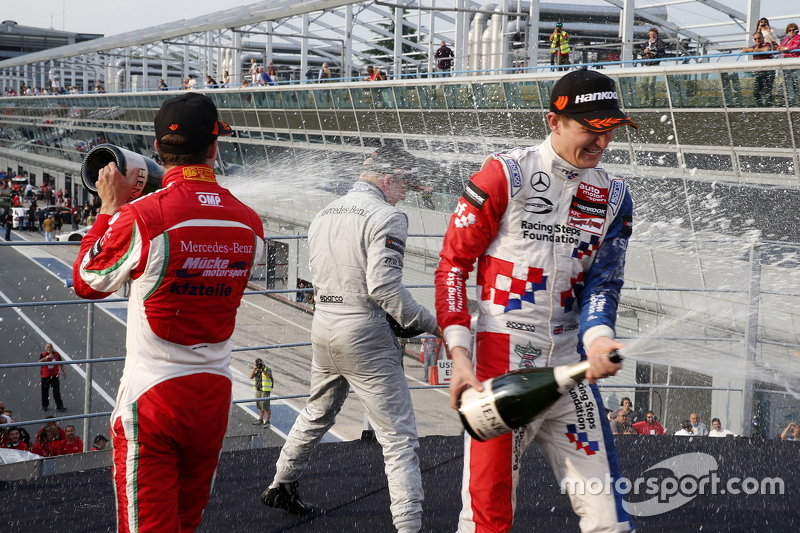 Podium: third place Mikkel Jensen, Mücke Motorsport and winner Felix Rosenqvist and second place Jake Dennis, Prema Powerteam