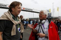Claus Mühlberger, Redakteur Auto Motor und Sport, und Arno Zensen, Audi Sport Team Rosberg