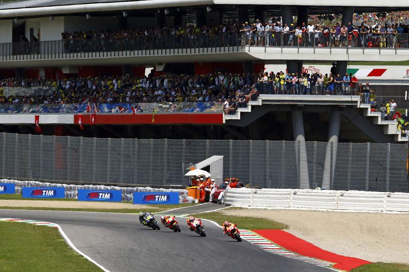 Марк Маркес, Repsol Honda Team та Андреа Янноне, Ducati Team та Дані Педроса, Repsol Honda Team та В