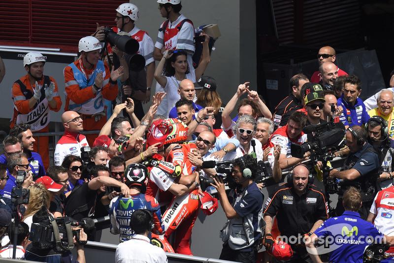 2. Andrea Iannone, Ducati Team, feiert im Parc Fermé