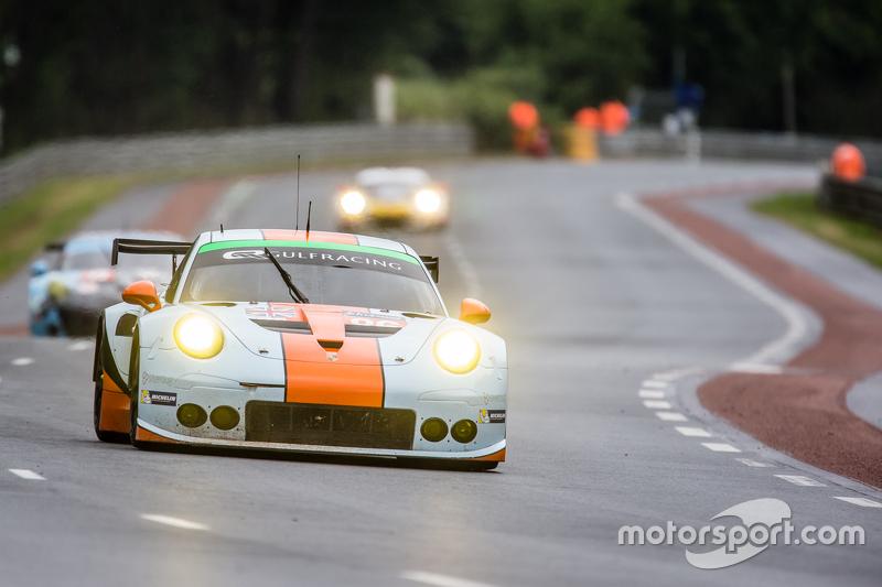 #86 Gulf Racing UK, Porsche 911 RSR: Michael Wainwright, Adam Carroll, Philip Keen